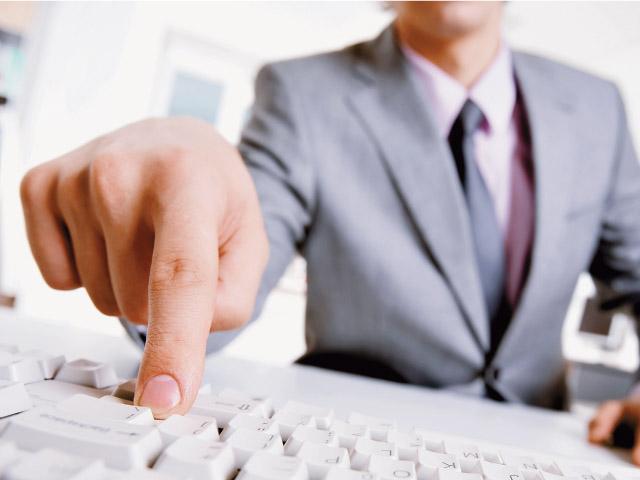 Доля онлайн канала продаж страховых полисов выросла до 2,1%