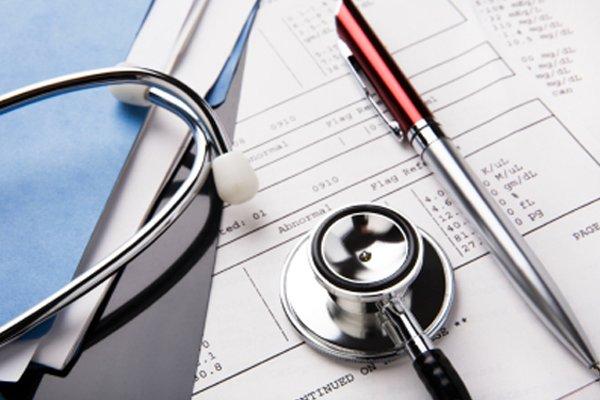 Причины недостаточного лечения онкологии в РФ назвали страховщики