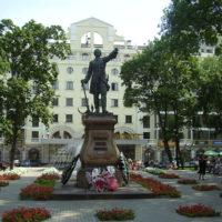 Памятники должны стать объектами страхования