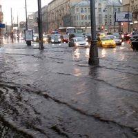 Страховые компании подсчитали ущерб от стихии в Москве